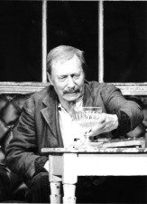 "Carl Raddatz in ""Sozialaristokraten\"" am Schloßpark-Theater Berlin, 1980"